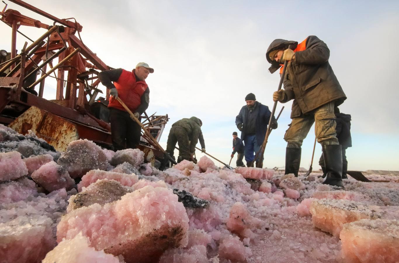 Producción de sal en el lago Sasyk-Sivash