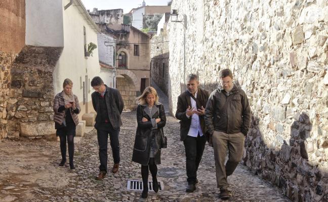 Los vecinos de la parte antigua de Cáceres quieren más baños públicos