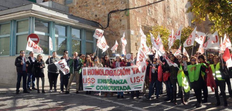Docentes extremeños de la concertada exigen homologación salarial