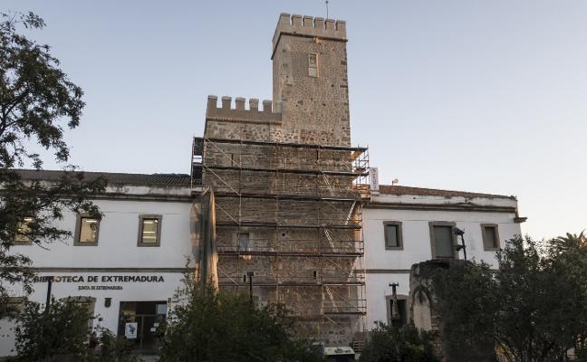 La restauración de la torre de Santa María le devuelve su aspecto original