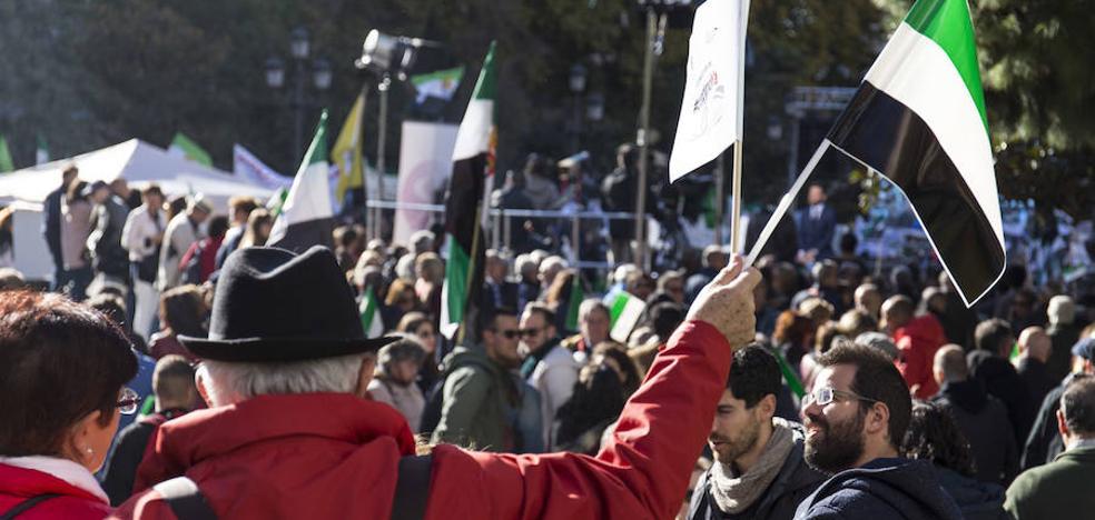 ¿Cuántos extremeños fueron a Madrid? ¿6.500 o 40.000?