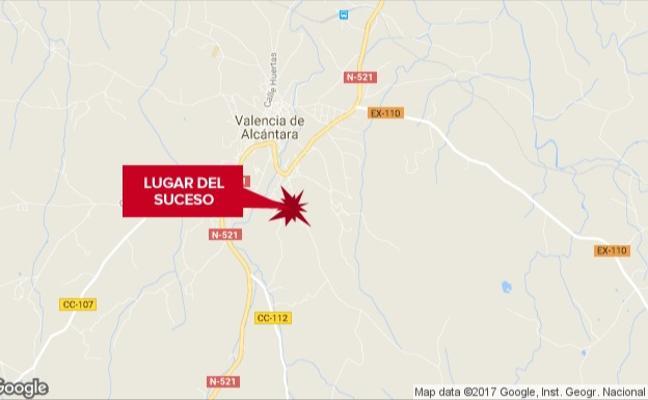 Herido grave un motorista en un accidente en Valencia de Alcántara