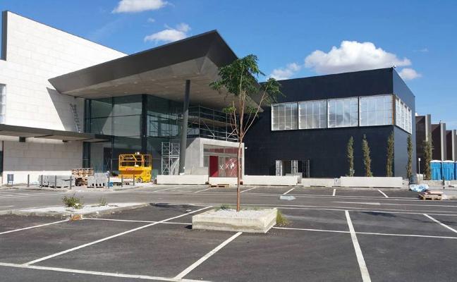 El centro comercial de Évora, el primero del Alentejo, abrirá al público el miércoles