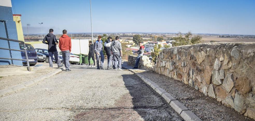 Vecinos de Las 800 de Badajoz dicen que hubo disparos antes del tiroteo mortal