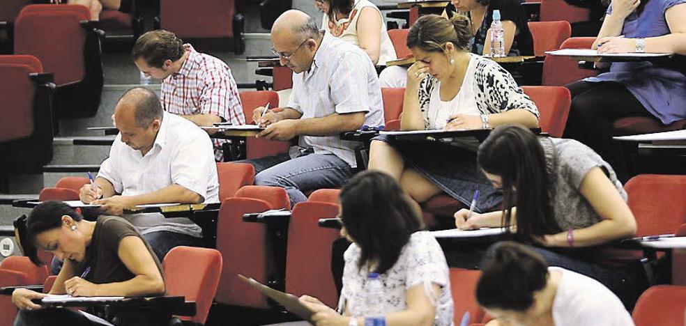 La Junta repetirá una oposición de profesores de Secundaria de 2010