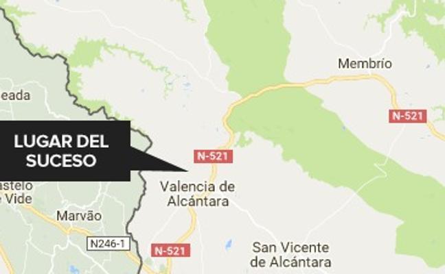 Herido grave un hombre tras caer a una caldera en el matadero de Valencia de Alcántara