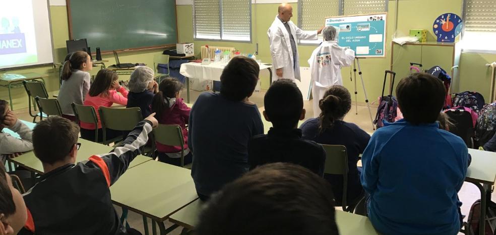 Alrededor de 175 escolares de Don Benito aprenden a hacer buen uso del agua con el programa Aqualogía