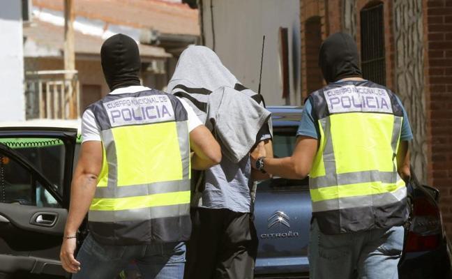 Detenido en Melilla por adoctrinar y reclutar para el Daesh