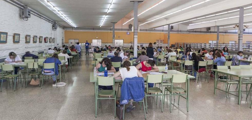 Educación convocará un mínimo de 800 plazas en las próximas oposiciones