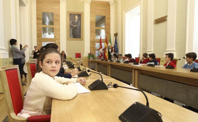 La alcaldesa de Cáceres asegura que no habrá problemas de agua