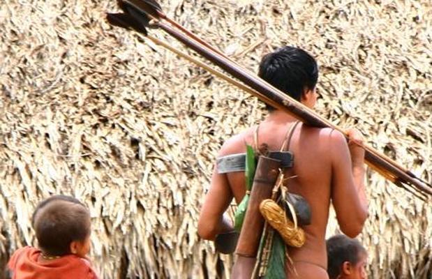 Conferencia en el Ateneo de Cáceres sobre los Yanomamis