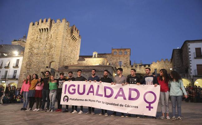 Convocan una marcha contra la violencia de género este jueves en Cáceres