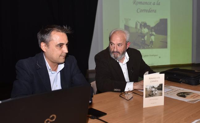 Calixto Pedro García presenta su libro 'Romance a la Corredera' en Coria