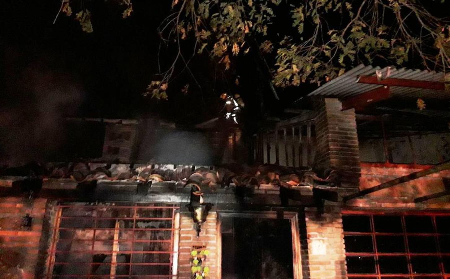 Arde una casa rural en Los Minchones