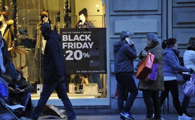 UCE Extremadura apunta que con el Black Friday se corre el riesgo de duplicar el gasto