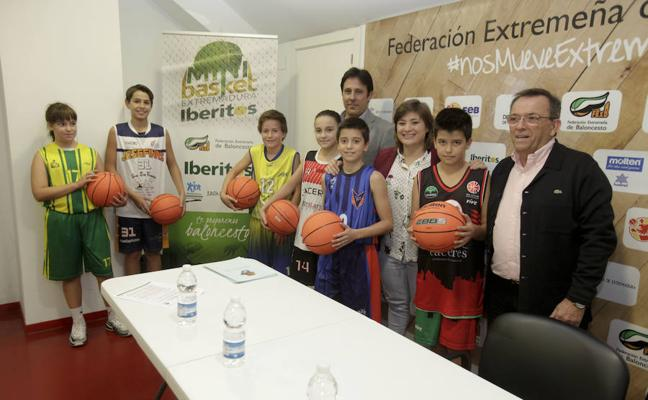 Más de 2.700 niños participan en el Plan de Minibasket de Extremadura