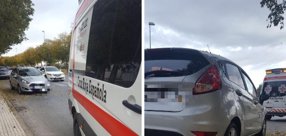 Accidente por alcance en una rotonda de Ronda Norte sin heridos