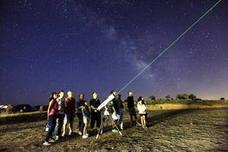 Cuatro rutas, observación de estrellas y talleres de fotografía, en Monfragüe este fin de semana