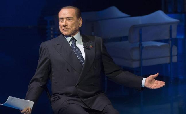 Piden la acusación de Berlusconi por sobornos a otro testigo del 'caso Ruby'