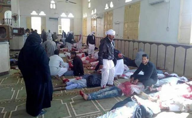 Al menos 235 muertos en un ataque en una mezquita en Egipto