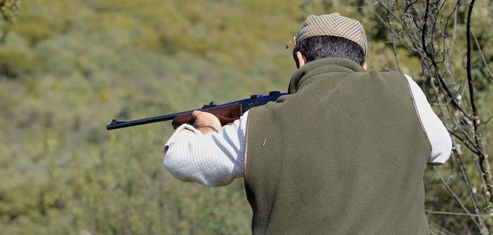 Tres de cada diez cazadores extremeños ha recibido insultos o amenazas en las redes sociales