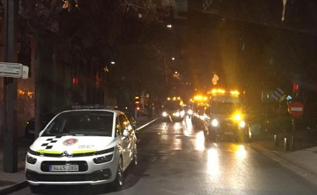 Fallece una mujer y 32 personas resultan heridas en un incendio en Granada
