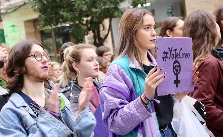 La marcha celebrada en Badajoz contra la violencia de género, en imágenes