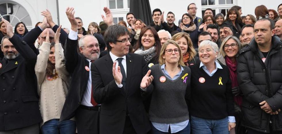 Puigdemont aboga por convertir el 21-D en un plebiscito al Gobierno y el 155