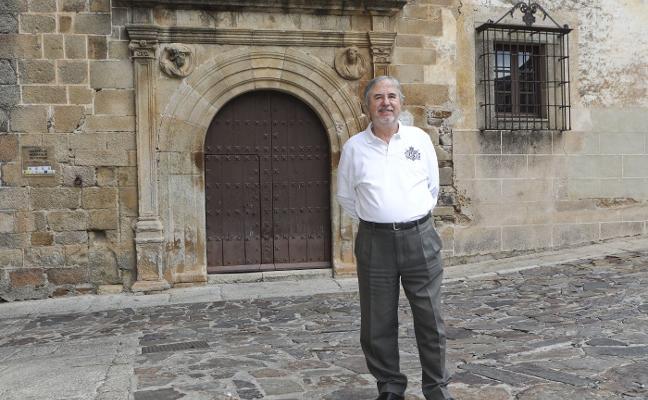 Antonio Bueno Flores: «La parte antigua es maravillosa y a veces no se aprecia como es debido»