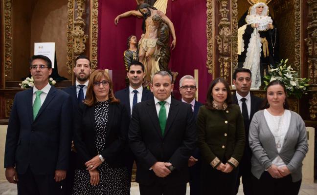 Toma posesión la nueva junta de gobierno de la Hermandad del Descendimiento de Badajoz