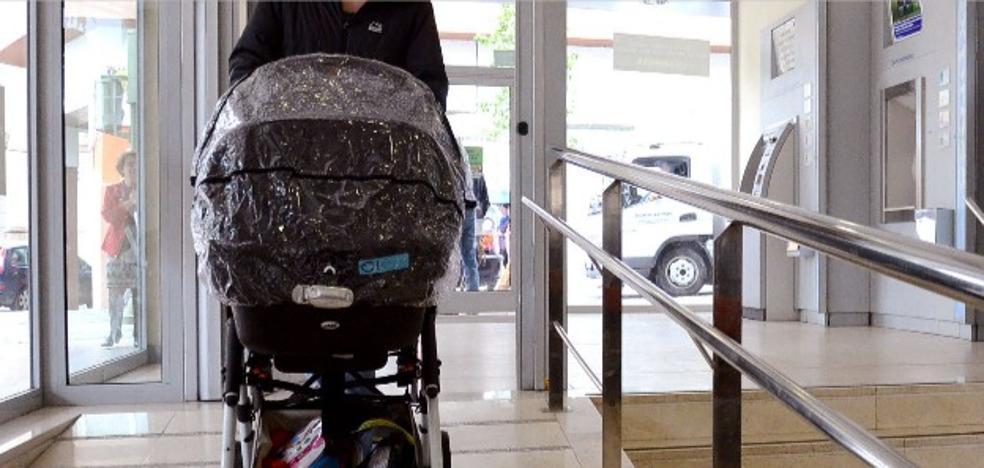 Detenido por hurtar 1.760 euros en ropa con un carrito de bebé en Badajoz