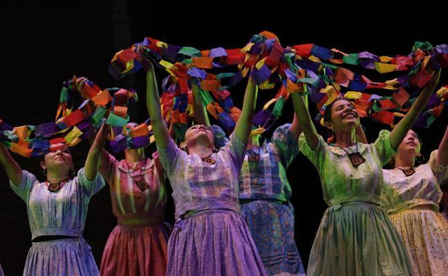 Los hogares españoles gastaron 764 euros en cultura en 2016, un 7% más