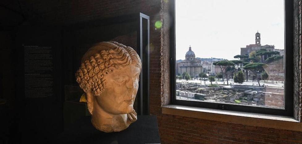Relieves del Teatro Romano de Mérida viajan a Roma a una exposición