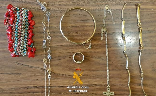 Detenido por robar a su vecina joyas valoradas en unos 7.000 euros en Zalamea de la Serena