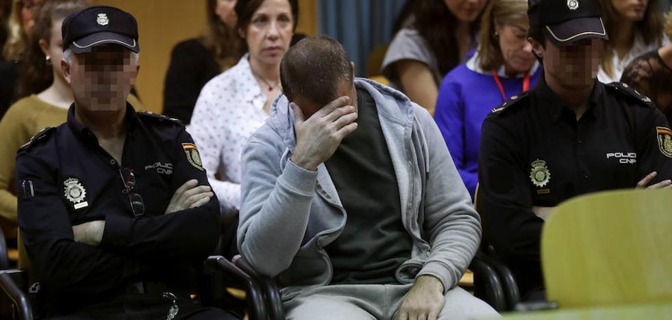 El abogado del pederasta de Ciudad Lineal acusa a Fernández Díaz de «contaminar al tribunal»