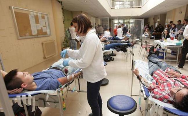 El Banco de Sangre recorrerá más de 10.000 kilómetros en diciembre para hacer 57 colectas