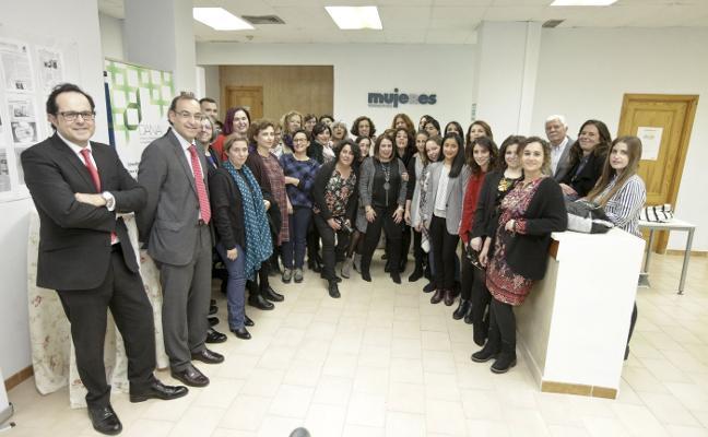 La Fundación Mujeres inaugura su nueva sede en Cáceres