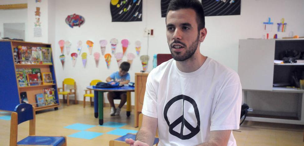 «Es muy gratificante colaborar en cambiar el futuro los alumnos»