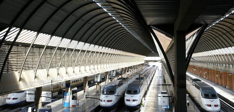 Denunciada una taxista extremeña por intrusismo en una estación de Sevilla