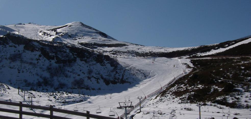 La Cordillera Cantábrica se tiñe de blanco