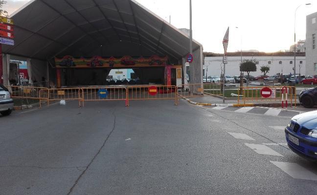Una gran carpa luce ahora en la Plaza de Extremadura de Almendralejo