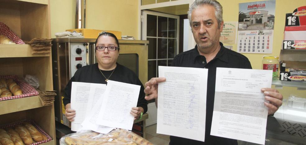 Montesol entrega más de 600 firmas a favor de un parque canino en el barrio