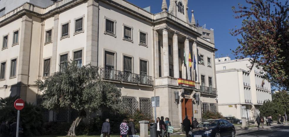 Un administrativo de la Junta gana al año 6.000 euros más que uno estatal