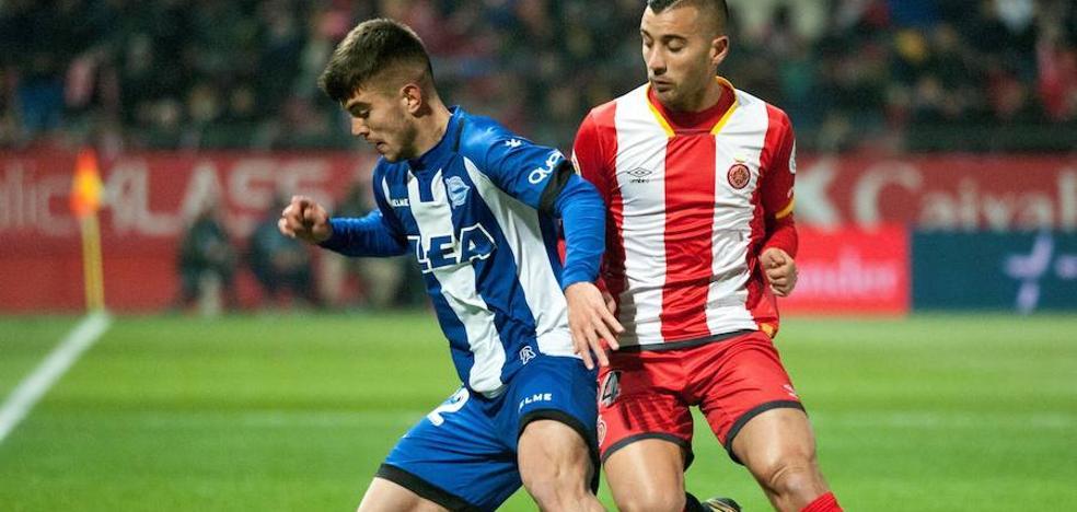 El Alavés remonta con triplete de Ibai Gómez