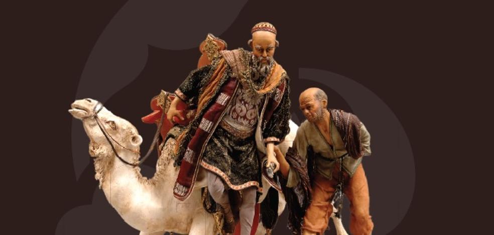 El Palacio de los Golfines acoge una exposición de 85 belenes de la colección Basanta-Martín