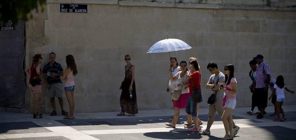 Los turistas extranjeros gastaron un 13% más en España hasta octubre