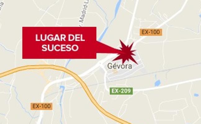 Un hombre de 57 años resulta herido grave al caer desde una altura de tres metros en Gévora