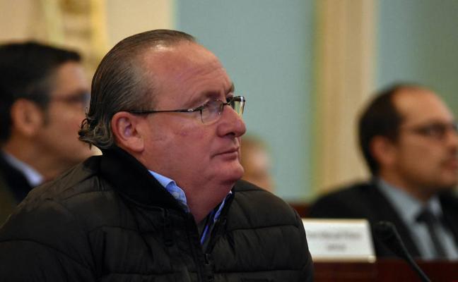 El alcalde que quiere ser funcionario de la Diputación de Badajoz