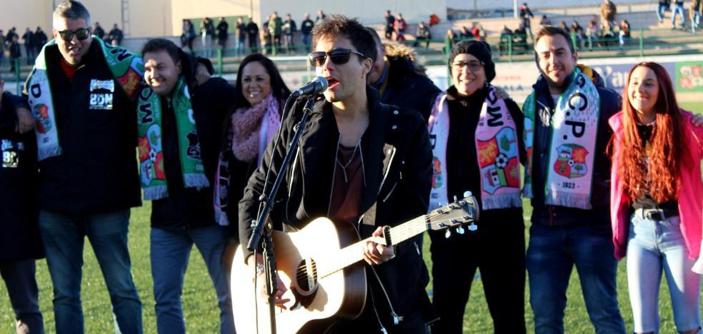 Álex Martín compone y canta el himno del centenario del Moralo