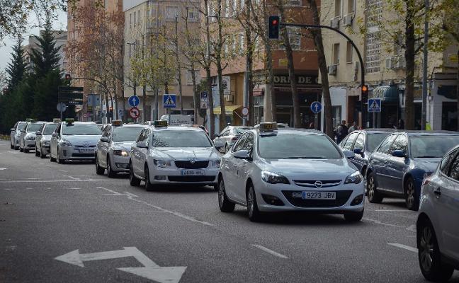 La Fiscalía pide 14 años de cárcel para el acusado de agredir a un taxista de Badajoz